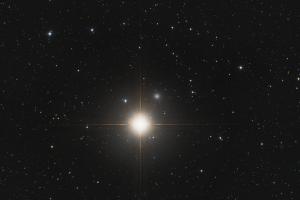 "Галактика NGC 404 ""Призрак Мираха"""